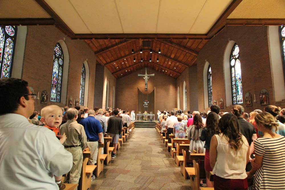 Homecoming came to a close with the solemn Mass of Remembrance.